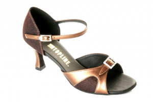 Fuchsia-Topline-ladies-dance-shoes-for-Ballroom--Latin